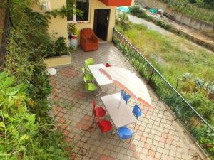 A patio or other outdoor area at Menekşe Apart 1