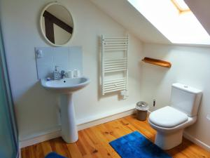 A bathroom at La Gicqueliere