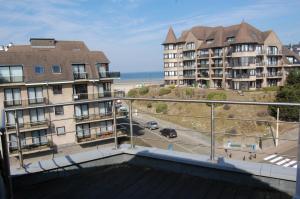 Een balkon of terras bij Westhoek Apartments