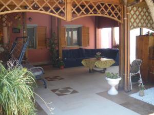 The lounge or bar area at Villa Simona