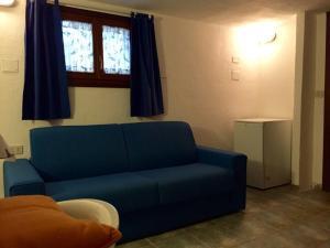 A seating area at Casetta Azzurra
