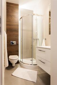 A bathroom at Apartamenty Platinia