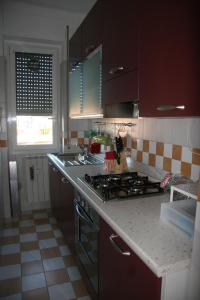 A kitchen or kitchenette at Chez Nous