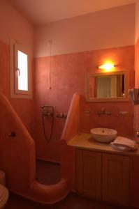 A bathroom at Summer Time - Tinos Apartments