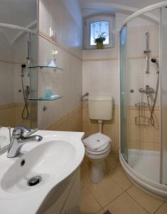 A bathroom at Central Apartments Tour As