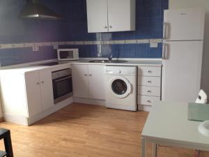 Küche/Küchenzeile in der Unterkunft Gibraltar City Apartment