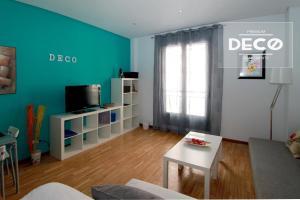 TV/Unterhaltungsangebot in der Unterkunft Apartamentos Conde Duque Decó