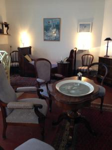 Coin salon dans l'établissement Appartement la Sirène