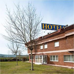 Hotel Area Serrano