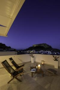 A balcony or terrace at Lindian Pearl