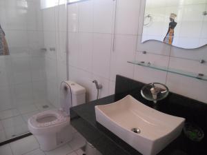 A bathroom at Praia Dos Milionários 75