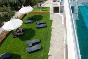 Θέα της πισίνας από το Aestas Apartments ή από εκεί κοντά