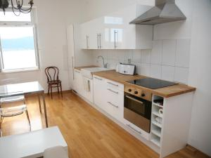 A kitchen or kitchenette at Apartments Bellvedere