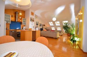 The lobby or reception area at Apartments Zagreb Point - Vrbik