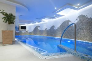 Бассейн в Alexandar Montenegro Luxury Suites & Spa или поблизости