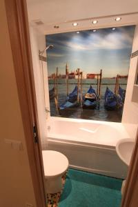 A bathroom at Tallinn City Center Apartment