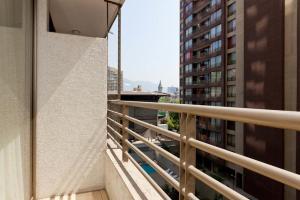 Un balcón o terraza de Apartments Chile Santiago 2