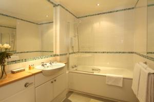 A bathroom at SACO Glasgow - Cochrane Street