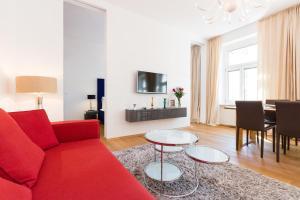 A seating area at Rafael Kaiser – Budget Design Apartments Vienna