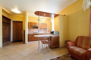 A kitchen or kitchenette at Nice Flats Mayakovskaya