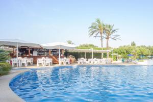 Het zwembad bij of vlak bij Inturotel Azul Garden