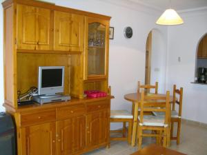 A television and/or entertainment center at Villa Cristal 4005 - Resort Choice