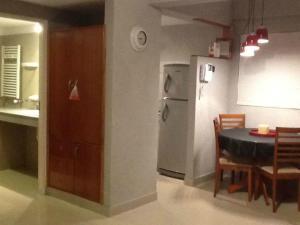 Una cocina o kitchenette en Departamentos en Edificio Huarpes Gesell