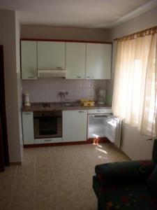 A kitchen or kitchenette at Villa Maja