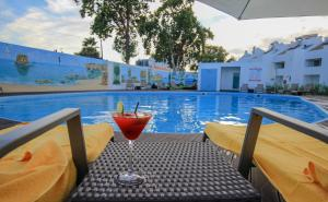 The swimming pool at or close to Lagoa Hotel