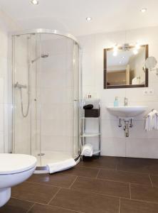 A bathroom at Roslerhof