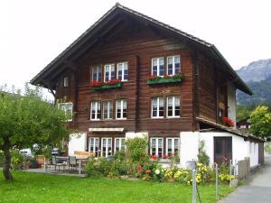 Das Gebäude in dem sich das Chalet befindet