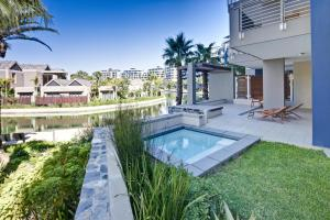 The swimming pool at or close to Lawhill Luxury Apartments - V & A Waterfront