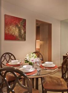ห้องอาหารหรือที่รับประทานอาหารของ Shangri-La Apartments