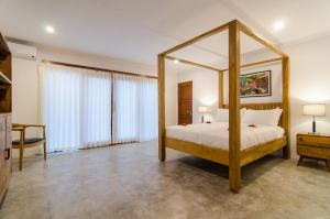A bed or beds in a room at Sanglung Villas Private Pool
