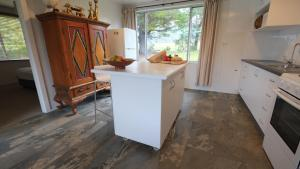 A kitchen or kitchenette at Sisters Beach House