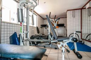The fitness center and/or fitness facilities at Quartos E Suite Em Boa Viagem