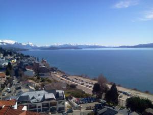 Una vista aérea de Bariloche Home Suites leg.1065