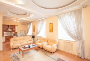 A seating area at TVST Apartments Belorusskaya