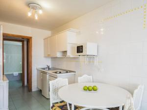 Een keuken of kitchenette bij BelleVue Aquarius