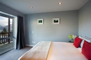 A room at Highview Terrace by Touch of Spice