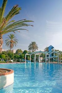 Het zwembad bij of vlak bij Select Benal Beach