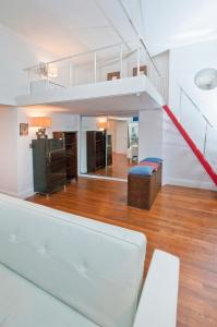 The lobby or reception area at Mid Town East 28th Street Apartments Next to Times Square