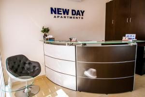 The lobby or reception area at New Day Apartments
