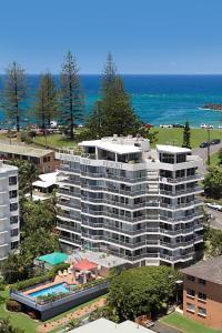 A bird's-eye view of Rainbow Bay Resort Holiday Apartments