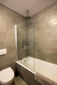 A bathroom at TownApartment Reykjavík