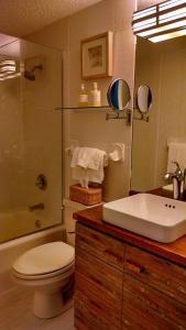 A bathroom at Seven Mile Beach Oceanfront Luxury Villa