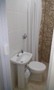 Un baño de Studio no Centro de Florianópolis