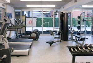 The fitness centre and/or fitness facilities at SMR Lisgar Ottawa