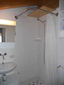 Ein Badezimmer in der Unterkunft Fadail seura