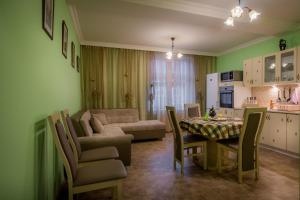 A seating area at Apartment Elizaveta 2
